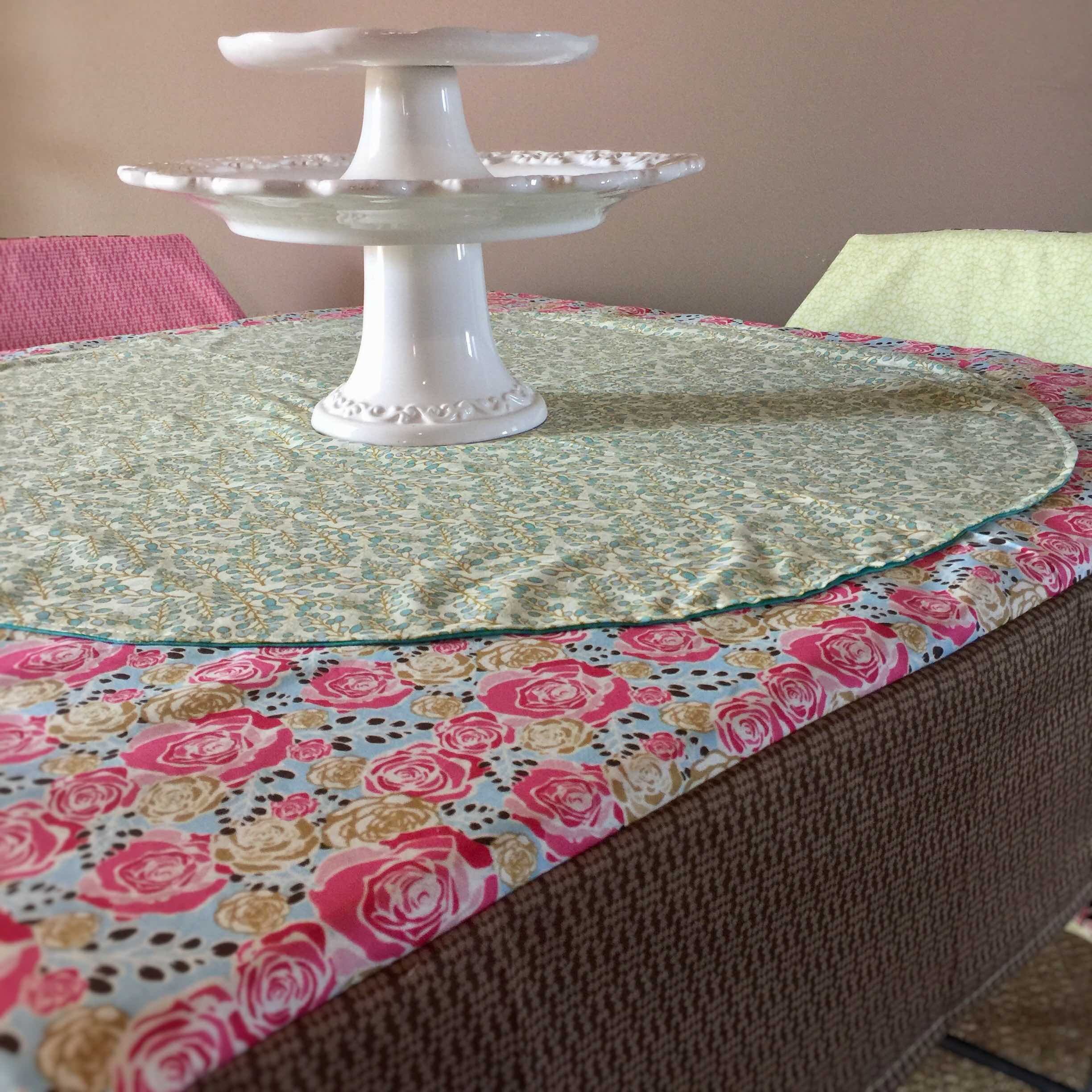 How To Sew A Fitted Card Table Cloth