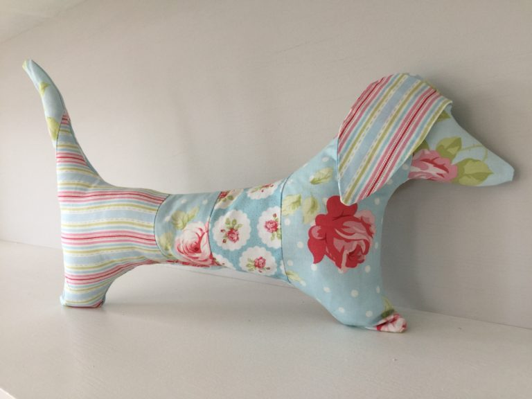 How to sew a stuffed dachshund dog with free pattern