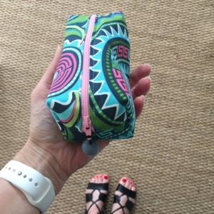How to sew a boxy zippered cosmetic bag