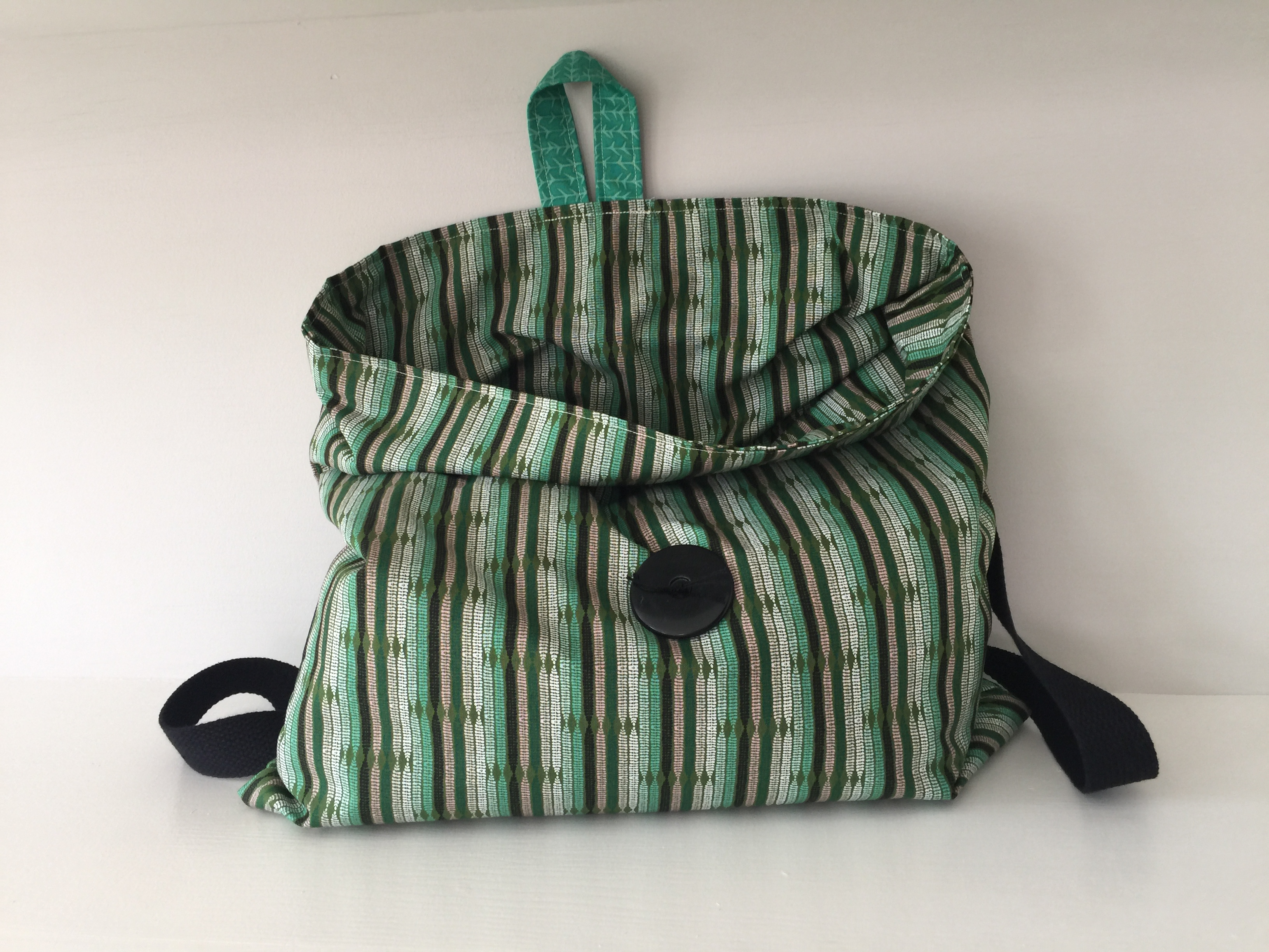 How to sew a lightweight summer backpack