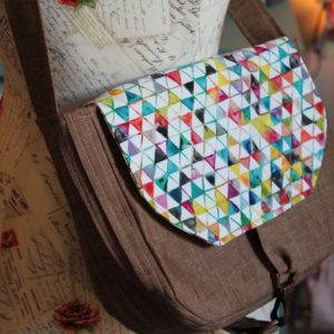 How to sew a linen crossbody hipster bag by Sewspire