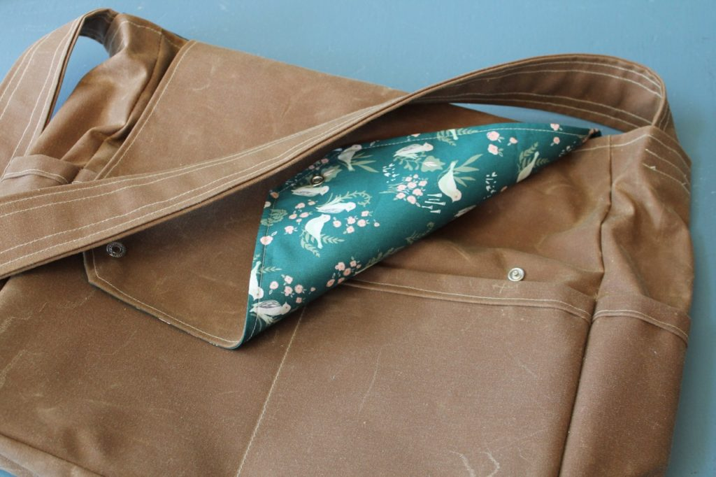 How to sew a waxed canvas messenger bag tutorial