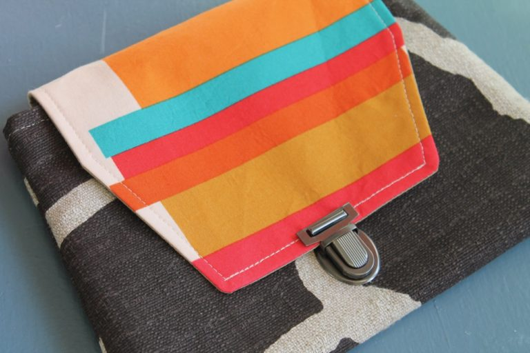 How to sew a simple press lock clutch