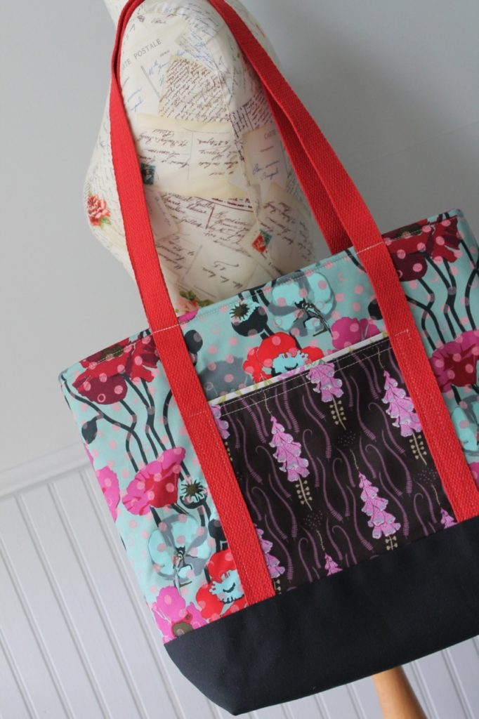 How to sew a two pocket tote bag by Sewspire